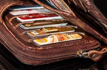 8 enkle ting du bør sjekke før du velger kredittkort